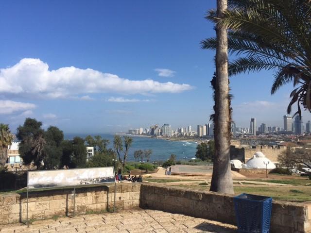 Tel Aviv au loin