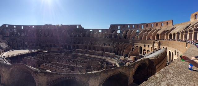 Colisée Rome intérieur