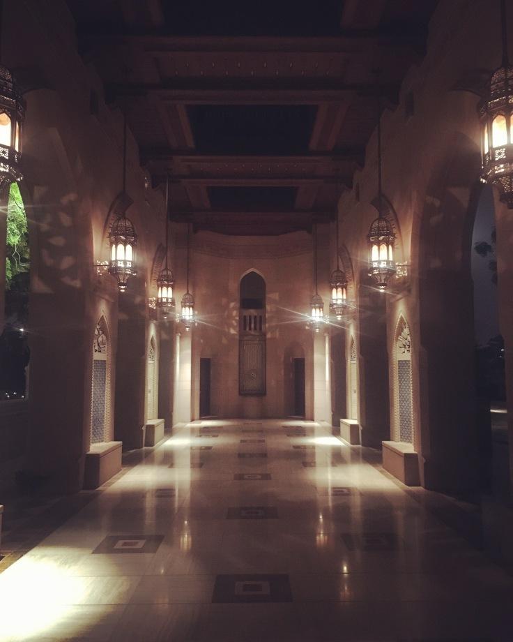 couloir sultan qaboos mosque